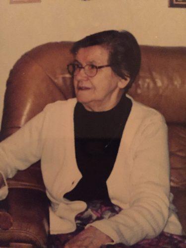 Gammelmormor Viola